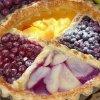 Пирог из слоеного теста с ягодами замороженными