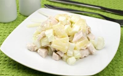 Низкокалорийный салат с ананасами консервированными и сельдереем