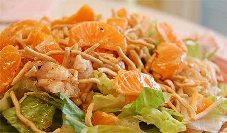 салат с апельсинами и курицей и корейской