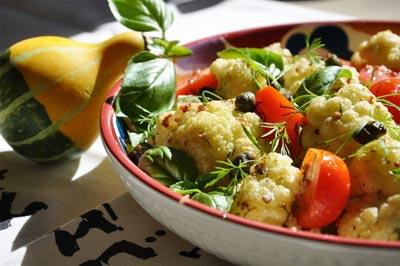 Сливовый салат из цветной капусты